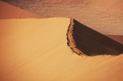 Ascendente cercano de la duna Imágenes de archivo libres de regalías