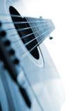 Ascendente cercano de la guitarra imágenes de archivo libres de regalías