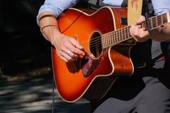 Ascendente cercano de la guitarra Foto de archivo libre de regalías