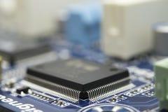Ascendente cercano del chip de ordenador Imágenes de archivo libres de regalías