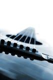 Ascendente próximo da guitarra Fotografia de Stock