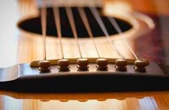 Ascendente próximo da guitarra Fotos de Stock Royalty Free