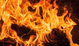 Ascendente próximo do incêndio imagens de stock
