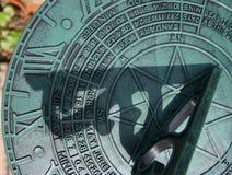 Ascendente próximo do Sundial Imagem de Stock