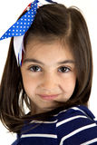 Ascendente próximo de sorriso do retrato da menina moreno caucasiano bonito Foto de Stock