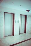 Ascenseur dans l'hôtel images stock