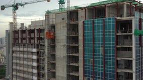 Ascenseur dans la construction des bâtiments banque de vidéos