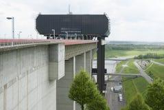 Ascenseur de bateau de Strépy-Thieu dans le canal du Centre, la Wallonie, Belgique Images stock