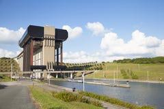 Ascenseur de bateau de Strepy-Thieu sur le canal du Centre Photos stock