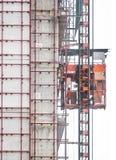 Ascenseur de service dans le secteur de construction Photos libres de droits