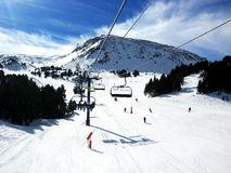 Ascenseur en montagnes image stock