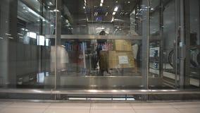 Ascenseur en verre banque de vidéos