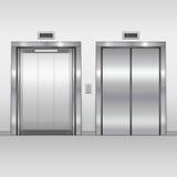 Ascenseur ouvert et portes fermées Images libres de droits