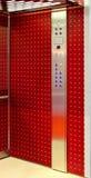 Ascenseur rouge photo libre de droits