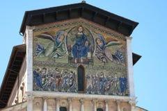 Ascensión de Cristo el salvador - iglesia de San Frediano en Lucca, Italia. fotografía de archivo libre de regalías