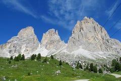 Ascensore della cabina di funivia nelle alpi della dolomia Fotografia Stock