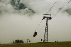 Ascensore di Kohlmaisgipfelbahn, nelle montagne delle alpi, l'Austria Immagine Stock