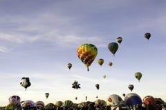 Ascention de masse à la fiesta de ballon d'Albuquerque Image libre de droits