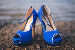 Aschenputtel-Schuhe im Blau Lizenzfreie Stockfotografie