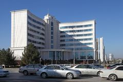 Aschgabat, Turkmenistan - 15. Oktober 2014: Moderne Architektur O Stockbild