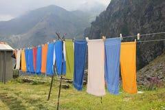 Asciugamani che appendono in montagna Fotografia Stock