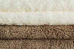 Asciugamani di bagno in pila Immagini Stock Libere da Diritti