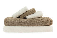 Asciugamani di bagno in pila isolata fotografie stock libere da diritti