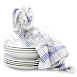 Asciugamani di cucina con i piatti Immagini Stock Libere da Diritti
