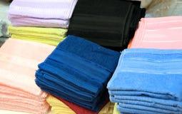 Asciugamani variopinti fotografie stock libere da diritti