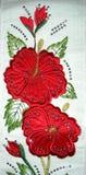 Asciugamano della rosa rossa immagine stock