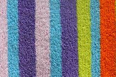 Asciugamano di spiaggia variopinto Fotografie Stock Libere da Diritti