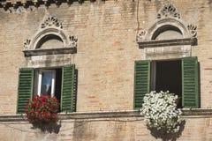 Ascoli Piceno marcia, l'Italia, Piazza del Popolo alla mattina Fotografia Stock Libera da Diritti