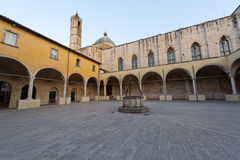 Ascoli Piceno (Marsen, Italië) - Klooster Stock Foto