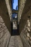 Ascoli Piceno Maszeruje, Włochy, aleja nocą Zdjęcie Stock