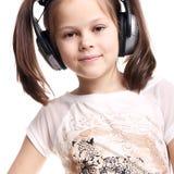 Ascoltando la musica Fotografie Stock Libere da Diritti