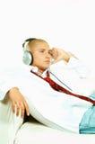Ascolti musica Fotografie Stock Libere da Diritti