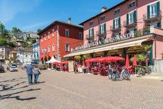 Ascona ha individuato sulla riva del lago Maggiore, il Ticino, Svizzera Immagini Stock