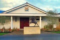 Ascot UK - Januari 14th 2017: Staty av polospelaren utanför ingången till vakter Polo Club i Berkshire England Royaltyfri Bild