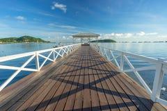 Asdang白海桥梁在一个早晨, Sichang海岛,泰国 免版税图库摄影