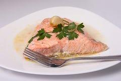 Prendedero de los salmones de la carne asada Fotos de archivo