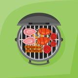 Ase a la parilla y asó a la parrilla el filete, la salchicha y el tomate Visión superior Imagenes de archivo