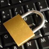 Asegure las actividades bancarias en línea Foto de archivo libre de regalías
