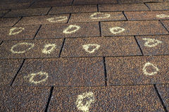 Asekuracyjnego nastawiacza Zaznaczający dach Z grad szkodą Zdjęcia Stock