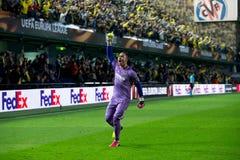 Asenjo celebra una meta en el partido de semifinal de la liga del Europa entre el Villarreal CF y Liverpool FC Fotografía de archivo libre de regalías