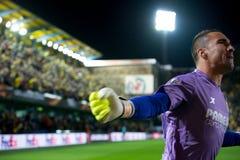 Asenjo celebra una meta en el partido de semifinal de la liga del Europa entre el Villarreal CF y Liverpool FC Imagen de archivo