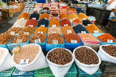 Aserbaidschan, Baku, Bonbons und Trockenfrüchte im Markt Lizenzfreie Stockfotos