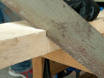 Aserrador de madera imagenes de archivo