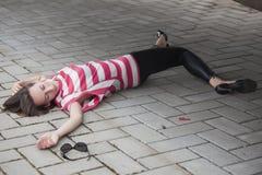 Asesinato y robo en la calle imagen de archivo libre de regalías
