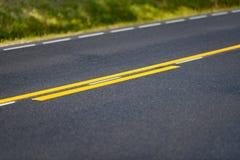 Asfalt na drogi zakończenia up szczegółowym widoku zdjęcia stock
