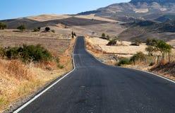 Asfalt Straße in Andalusien Lizenzfreie Stockbilder